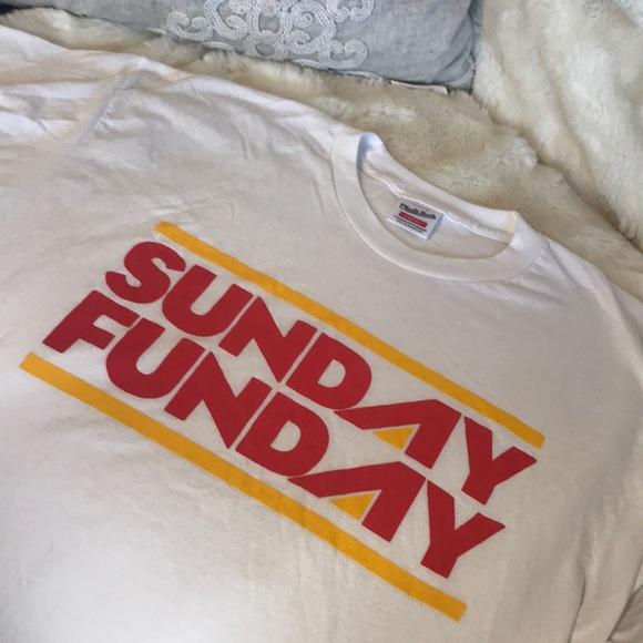 Sunday Funday Kansas City Chiefs T-shirt. M 5aa05ec13800c5455eb39742 cafac2247